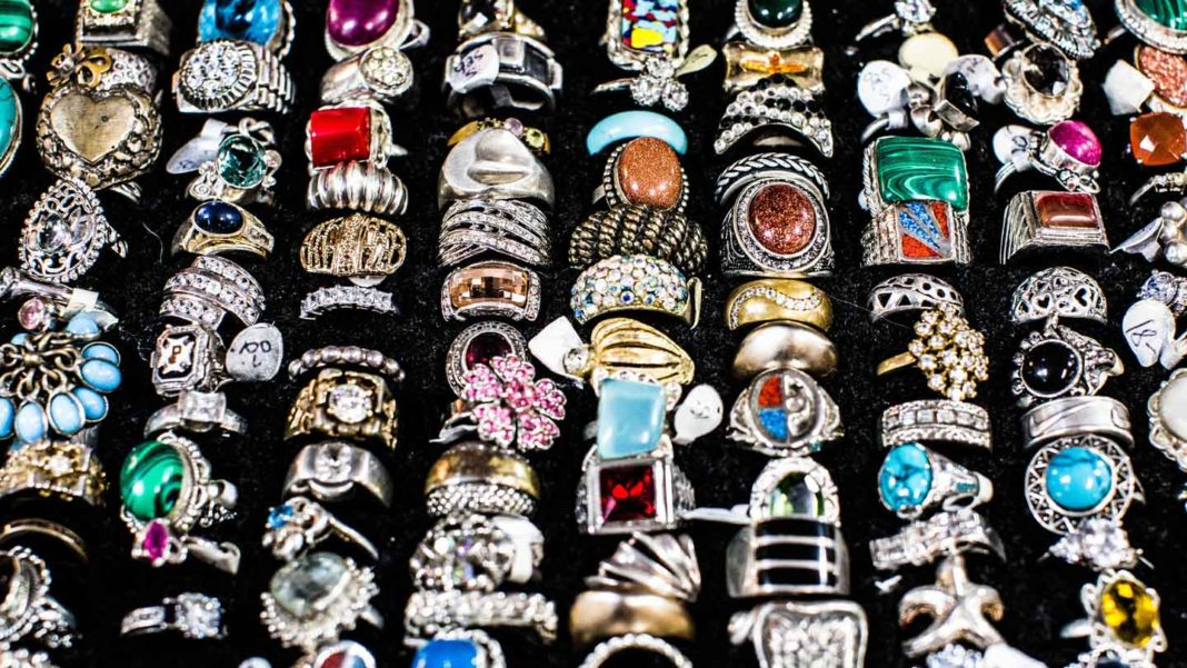 Some-Useful-&-Effective-Tips-to-Buy-Antique-Jewelry-on-hometalk-news