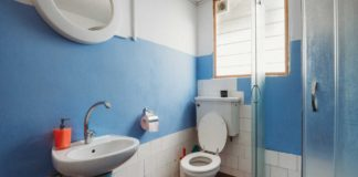 Tips-to-Clean-Your-Bathroom-from-Some-Experts-on-hometalk