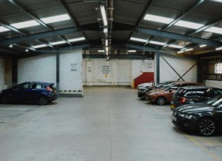 Some-Unique-Concepts-of-Garage-Painting-That-Worth-Trying-on-hometalk-news