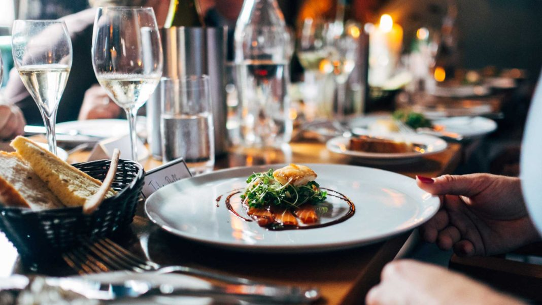 7-Benefits-of-Using-Catering-Software-For-Catering-Business-on-hometalk-news