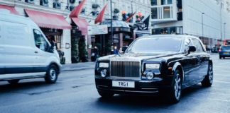 4-Important-Points-to-Talk-To-a-Limo-Driver-When-Visiting-a-New-Place-on-hometalk-news