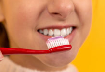Does-Teeth-Whitening-Toothpaste-Work-Right-Away-on-hometalk-news
