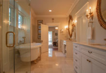 Ways-of-Using-Mirror-in-a-Bathroom-to-Enlarge-Space-on-hometalk-news