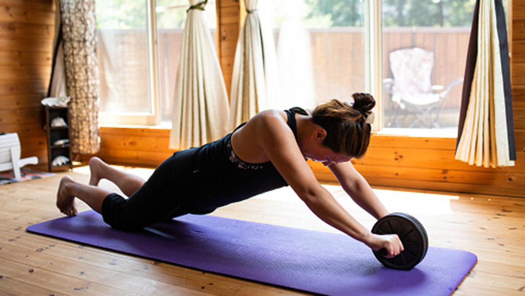 Things-You-Need-To-Know-About-Ab-Roller-Exercises-on-hometalk-news